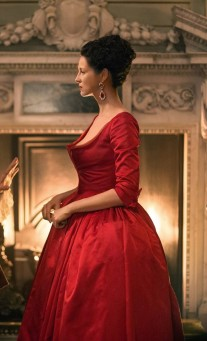 Outlander - La fameuse robe rouge (22)